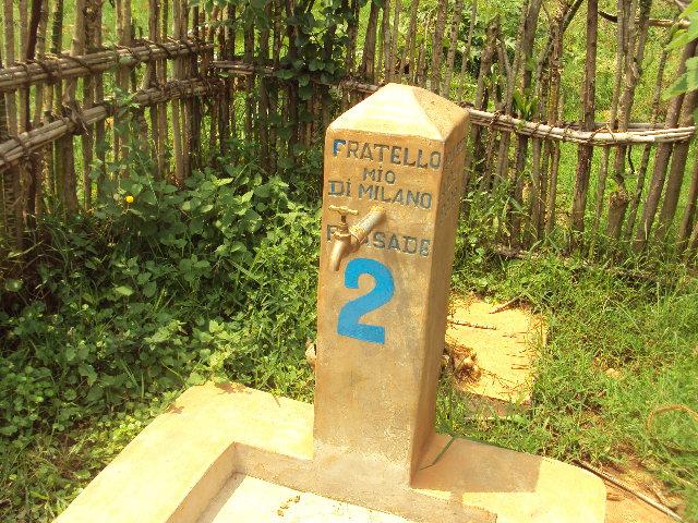 Fontana n° 2 presso la Scuola Ikungu