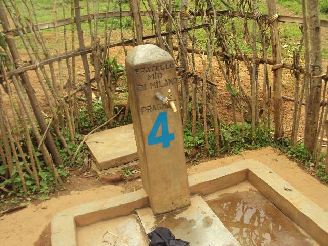 Fontana n° 4 a Ikungu